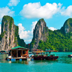Explore Halong Bay on this Ciao Travel trip in Vietnam. // © 2015 Thinkstock