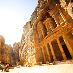<p>Visit the ancient city of Petra during Tours Specialists, Inc.'s Jordan fam. // © 2017 iStock</p><div></div>