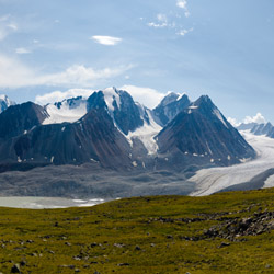 Take in the stunning views of the Altai mountain range. // © 2015 iStock