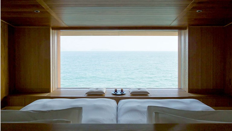 The Guntu Suite monopolizes the bow of the ship, offering panoramic views of its natural surroundings.