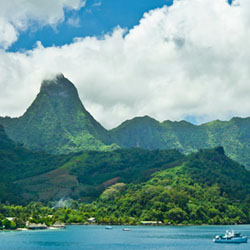 A view of the island of Moorea // © 2014 Thinkstock