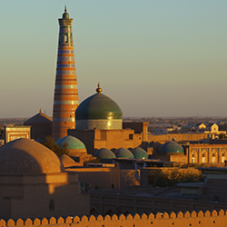 Uzbekistan is home to spectacular and historic mosques and madrassahs. // © 2015 Thinkstock