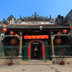 <p>The Thien Hau pagoda is one of many stops on this tour. // © 2015 iStock</p><div></div>