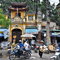 <p>Visit the bustling city of Hanoi, Vietnam, during the weeklong tour. // © 2016 iStock</p><div></div>