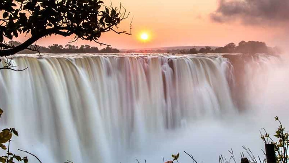 The writer saw Victoria Falls from Above. // © 2015 David DiGregorio 3
