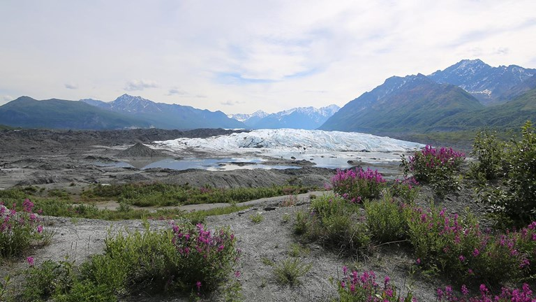 The entrance to Matanuska Glacier