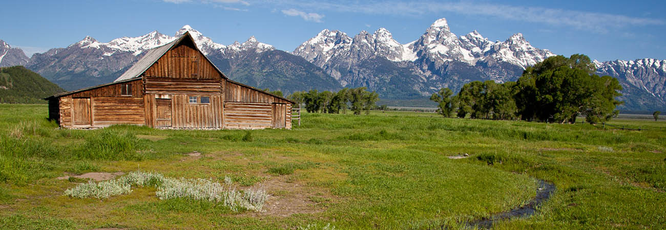 A summertime travel guide to jackson hole wyoming for Jackson hole summer vacation