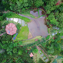 <p>An aerial shot of Macaw Lodge // © 2017 Macaw Lodge</p><p>Feature image (above): Guests can partake in many excursions made available by the...