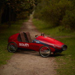 <p>Visitors can tour Chile's wine country in a unique vehicle. // © 2017 Southmobile</p><div></div>