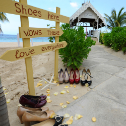 <p>The wedding party can go barefoot at Jewel Resorts. // © 2015 Jewel Resorts</p><p>Feature image (above): Caribbean properties are helping couples...
