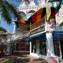 <p>Royal Plaza is a popular shopping mall in Aruba. // © 2015 Aruba Tourism Authority</p><p>Feature image (above): Flea markets and street stalls are...