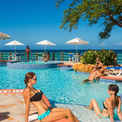 The adults-only Jewel Paradise Cove Beach Resort & Spa is among the new hotels in Jamaica. // © 2014 Jewel Resorts