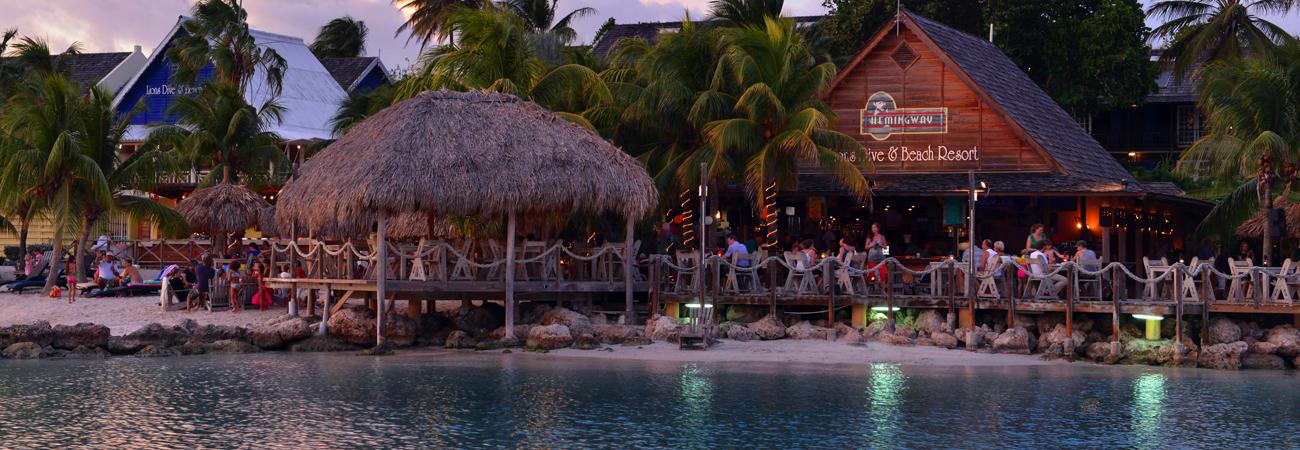 Quiet comfort at lions dive beach resort travelage west - Lions dive hotel curacao ...