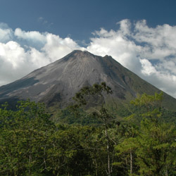 <p>Visit Arenal Volcano on this fam trip with Sunny Land Tours. // © 2015 iStock</p><div></div>