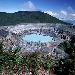 Agents traveling to Costa Rica with Sunny Land Tours will visit Poas Volcano. // © 2016 iStock