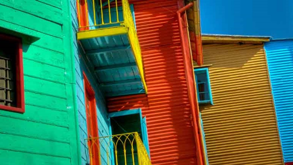 With its funky European flavor, Buenos Aires appeals to tourists at all times of the year. // © 2013 Thinkstock 2