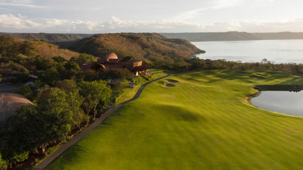 Guests can golf at the 18-hole, par-72 Arnold Palmer-designed course. // © 2015 Four Seasons Resort Costa Rica at Peninsula Papagayo 2
