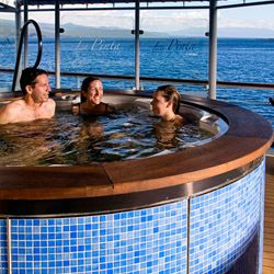 <p>Luxurious features onboard Un-Cruise Adventure's La Pinta include a hot tub on the deck. // © 2014 Un-Cruise Adventures</p><p>Feature image...