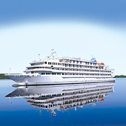 <p>In 2016, Pearl Seas Cruises will expand its itineraries to include Great Lakes cruises from Chicago to Toronto. // © 2015 Pearl Seas...
