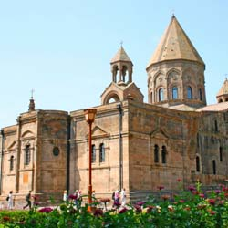 The Cathedral of Holy Echmiadzin, built in the early 4th century, is one of Armenia's must-see sights. // © 2014 Thinkstock
