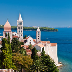 Explore Croatia on a bike. // © 2016 iStock
