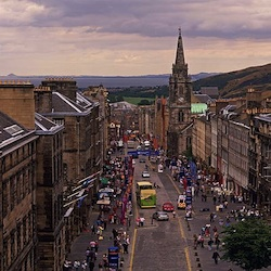 The view down the Royal Mile, Edinburgh. © // 2014 P. Tomkins, Visit Scotland, Scottish Viewpoint
