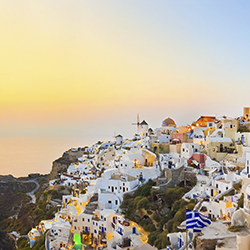 <p>Agents will ride with mules to the small town of Oia in Santorini. // © 2016 iStock</p><div></div>