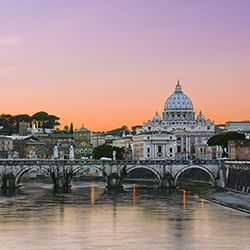 Agents will receive a guided tour of St. Peter's Basilica during the tour. // © 2016 iStock