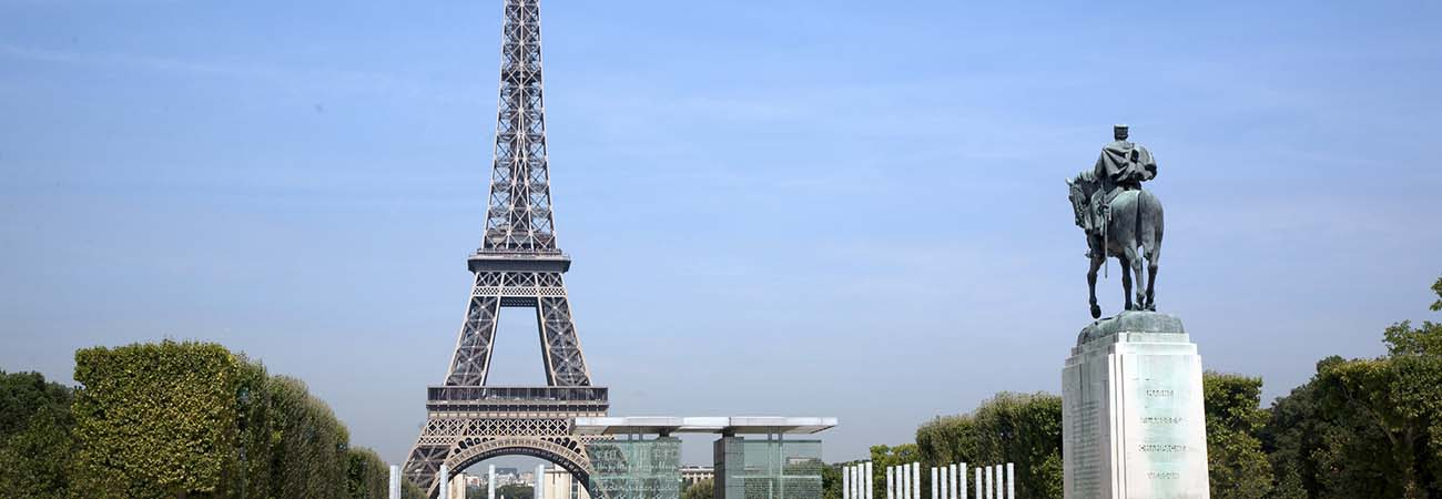 Fam: Paris and Normandy With AmaWaterways