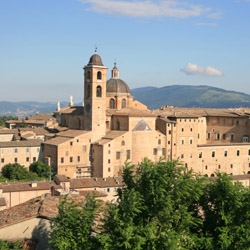 Explore the art and architecture of Urbino, Italy. // © 2016 iStock