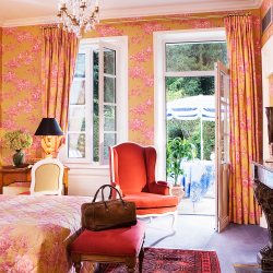 <p>Some guestrooms at Le Choiseul face Chateau d'Amboise. // © 2017 Le Choiseul</p><p>Feature image (above): Take a day trip from Paris and tour the...