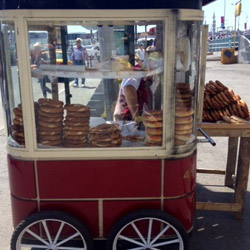 <p>Nearly every street corner in Istanbul, Turkey, has a cart selling simit, Turkey's version of the bagel. // © 2014 Chanize Thorpe</p><p>Feature...