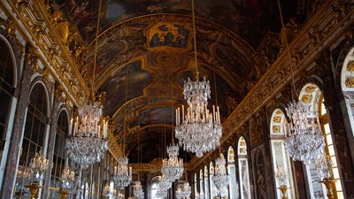 Re-Introduce Paris to Clients With Creative Tours of Top Attractions