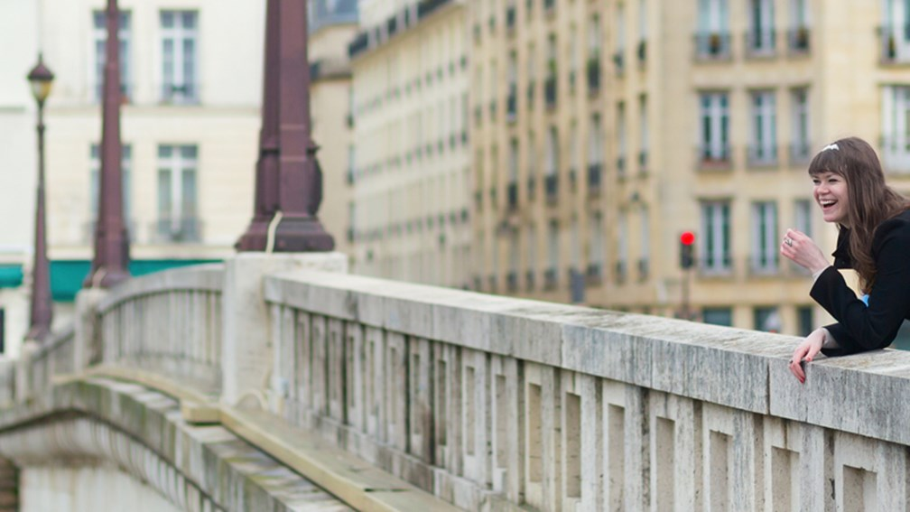 The promenades of Paris are perfect for a romantic day on foot. // © 2014 Thinkstock F