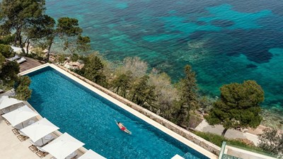 Hotel Review: Four Seasons Astir Palace Hotel Athens in Greece