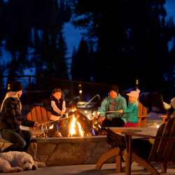 At The Ritz-Carlton Lake Tahoe, families can combine camping with skiing. // © 2016 The Ritz-Carlton, Lake Tahoe