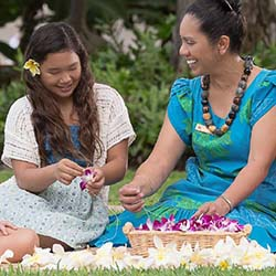 Young guests can learn how to make leis. // © 2017 Kaanapali Beach Hotel