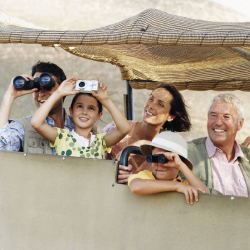 A wildlife safari makes a great multigenerational vacation. // © 2013 Thinkstock
