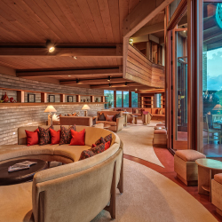 <p>Clients can stay in Hawaii's only Frank Lloyd Wright-designed home. // © 2015 HomeAway</p><p>Feature image (above): Hawaii Island's Mauna Kea...