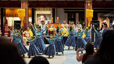5 Ways to Enjoy Hawaii's Aloha Festivals in September