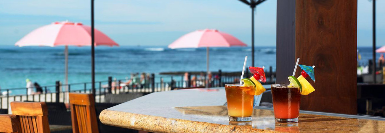 Five Iconic Bars in Waikiki