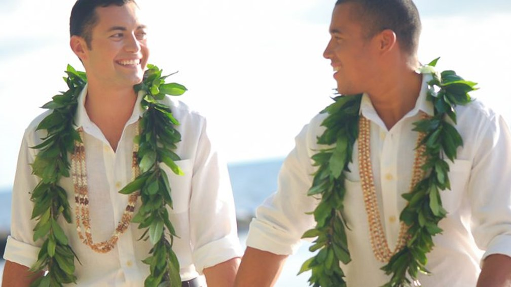Now legal in the 50th state, gay wedding ceremonies are enhanced by the spirit of aloha. // © www.kellibullockphotography.com F