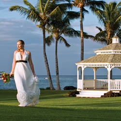 Hawaii resorts offer unique gazebo venues for couples considering an outdoor wedding. // © 2014 Fairmont Orchid, Hawaii