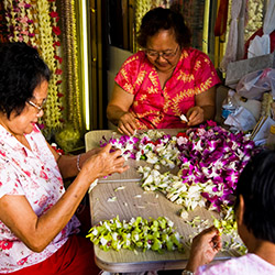<p>Many of the island's lei shops have been around for multiple generations. // © 2016 HTA/Tor Johnson</p><p>Feature image (above): Hawaii's lei is...