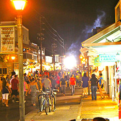 <p>Feature image (above): Lahaina is one of five Maui towns that take turns hosting Friday night parties. // © 2016 Maui Fridays</p><p>During Kokua...