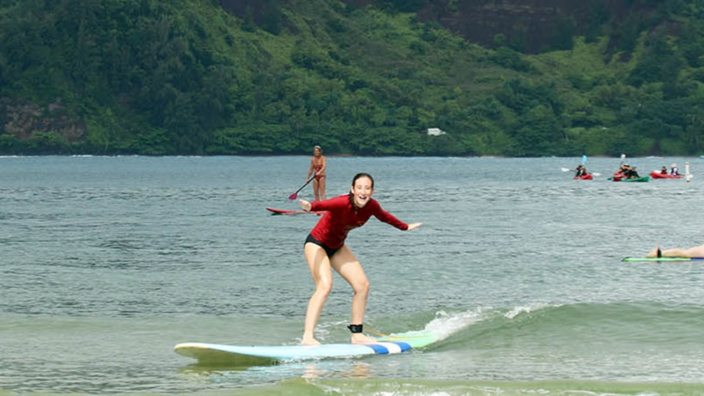 The 4 Best Hawaii Surf Spots For Beginners Travelage West