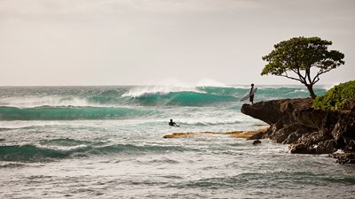 Why Oahu's North Shore Is Perfect for Surfers