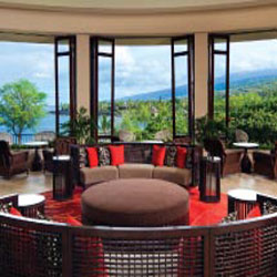 The renovated lobby benefits from expansive views of Keauhou Bay. // © 2013 Sheraton Kona Resort & Spa