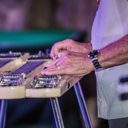 Hawaiian music casts a spell during the Maui Steel Guitar Festival. // © 2018 Maui Steel Guitar Festival