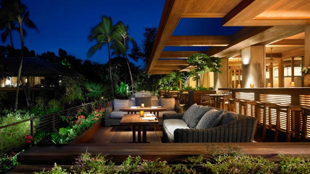 Mar 28 2016 The On Site Four Seasons U Lanai Restaurant Does Away With Its Fourth Wall